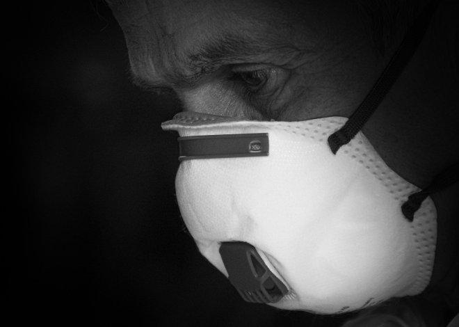 mask-4934395_1920 (1)